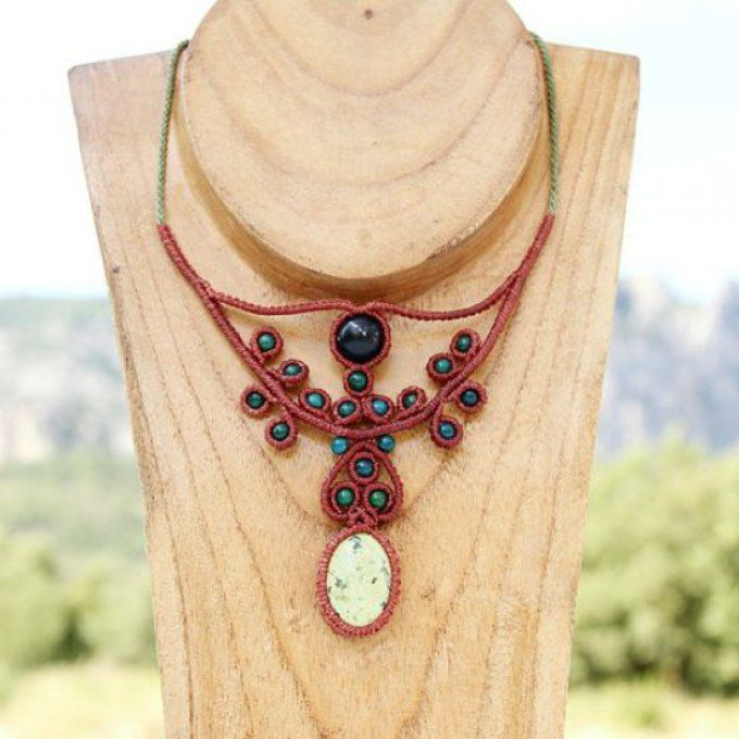 Collier Corazon : serpentina, chrysocolle, onyx neige